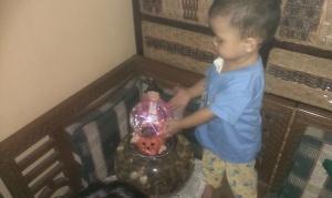 Lampu Plasma, baru dipasang langsung dimainin anak